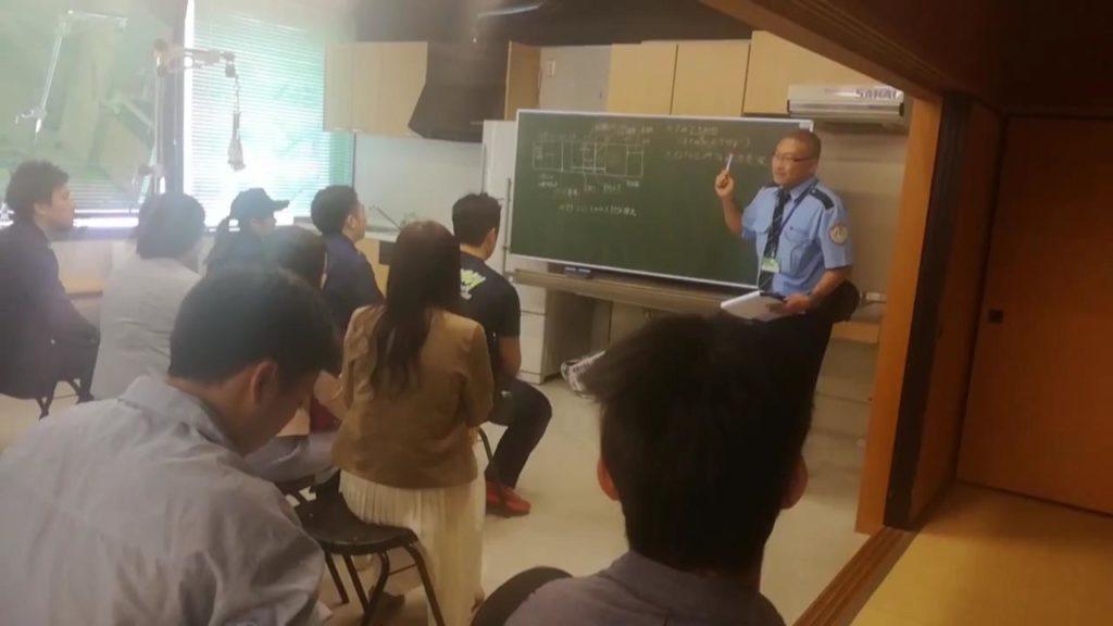 大阪医専 生徒と保護者を対象とした救急救命講習会