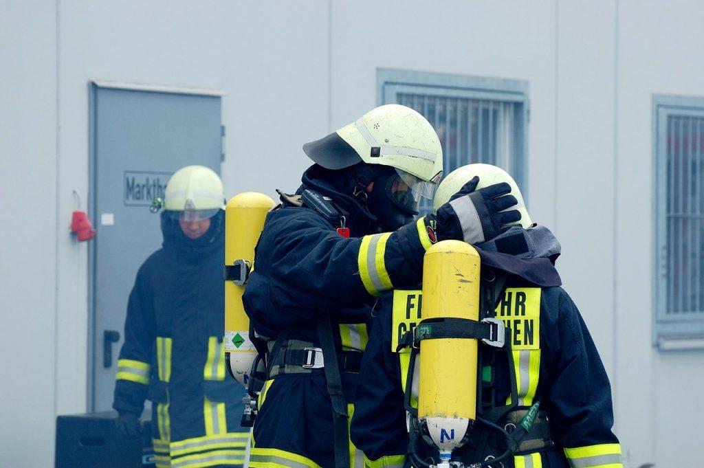 消防士 Firefighter