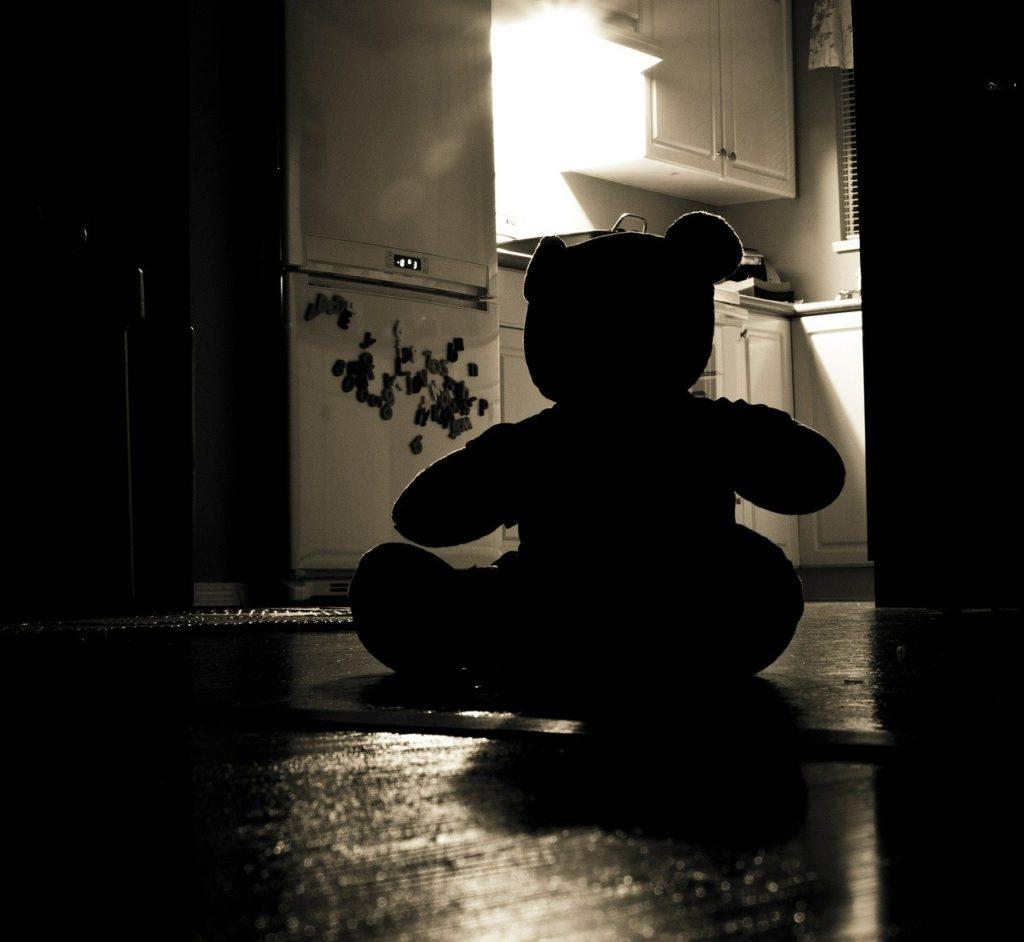 子ども チャイルドデスレビュー CDR 虐待 不審死 解剖 死因 検証
